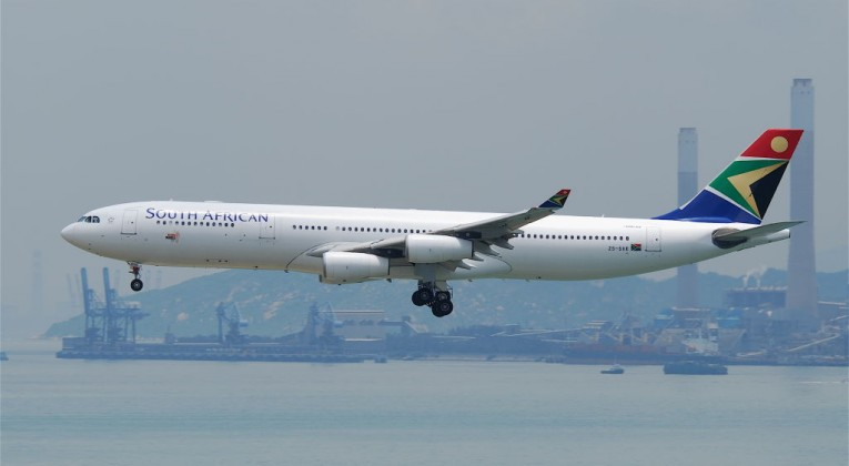 South_African_Airways_Airbus_A340-313E;_ZS-SXE@HKG;31.07.2011_614iu_(6052634223)