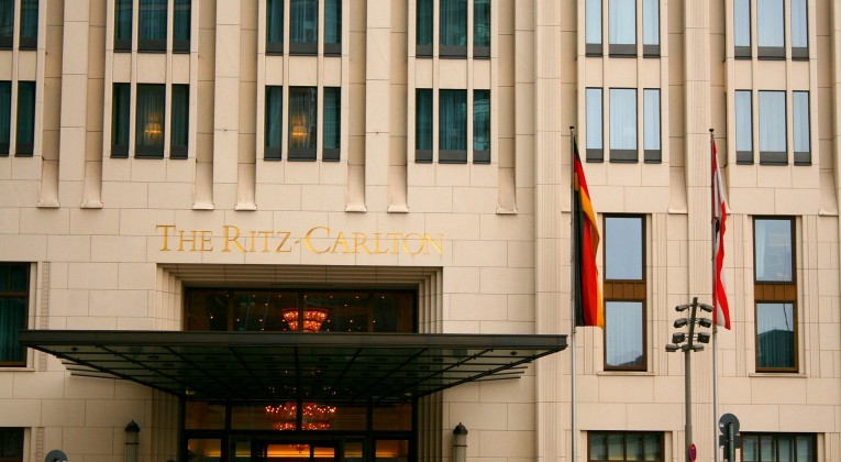 Ritz-carlton_berlin.entrance