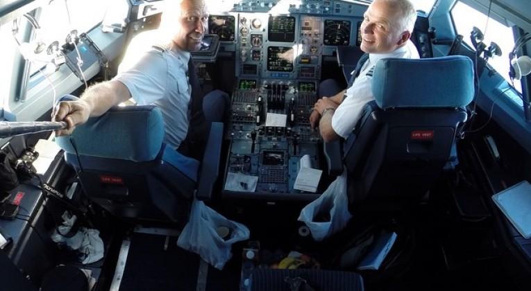 sas a340 pilot cockpit