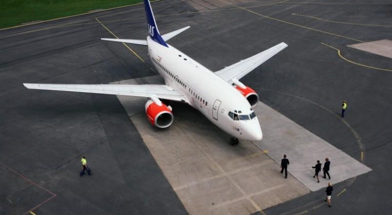 Aircraft-on-ground-001-800x500_c