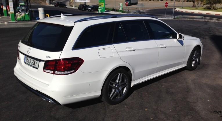 Mercedes E bak profil