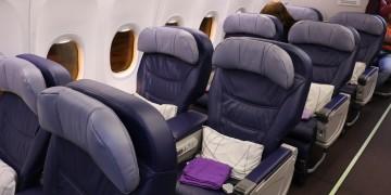 Malaysia Business Class 737 2294