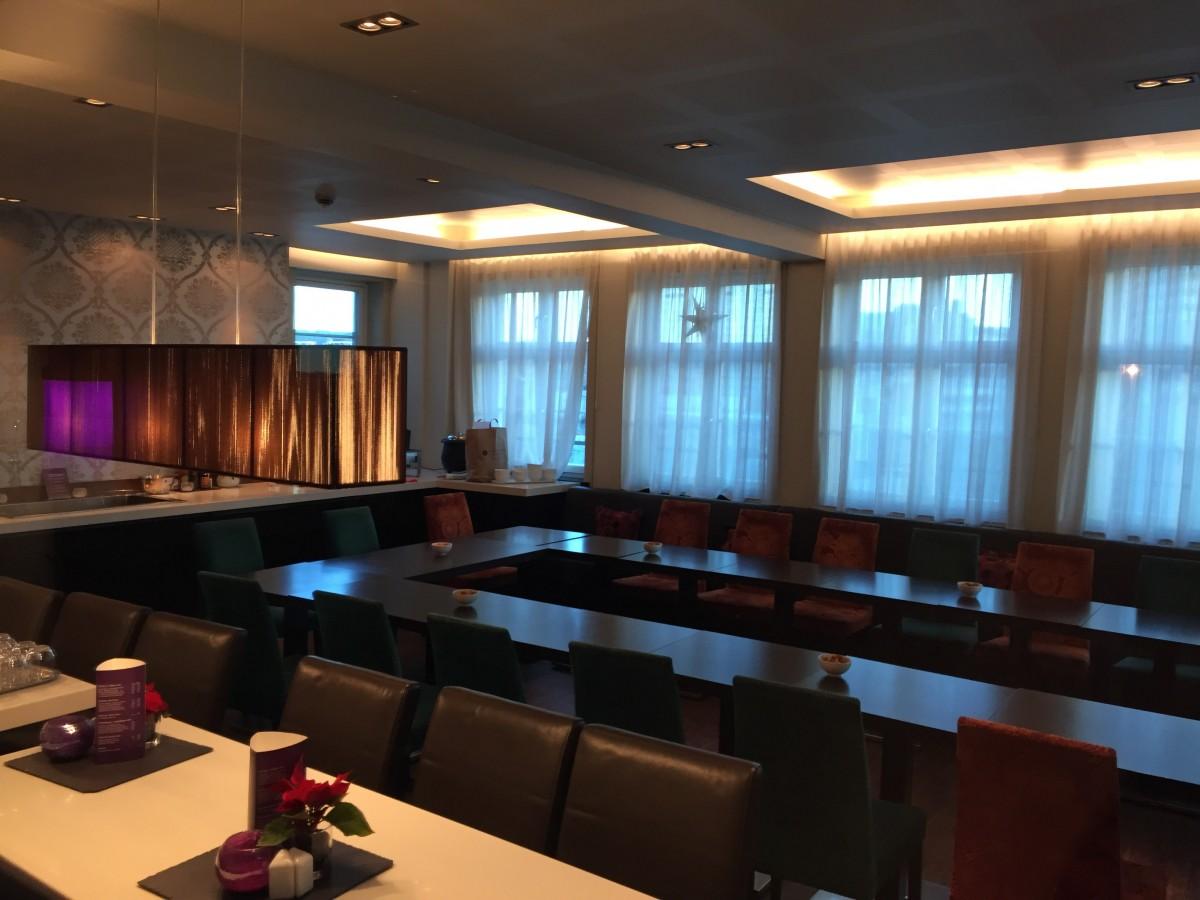 Loungen hvor aftensbuffet serveres.
