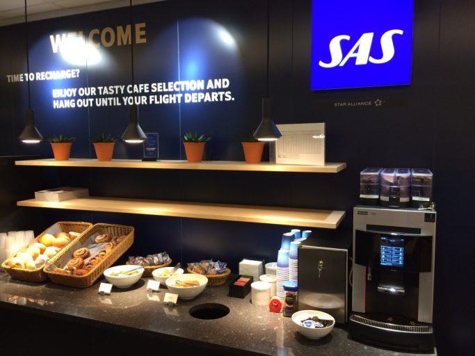 Serveringsutvalg SAS Café Lounge ved Vigra.