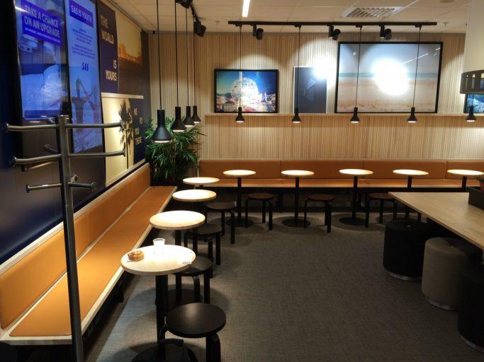 God plass i SAS Café Lounge.