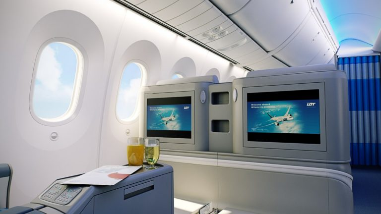 LOT Polish Airlines - Business Class Boeing 787