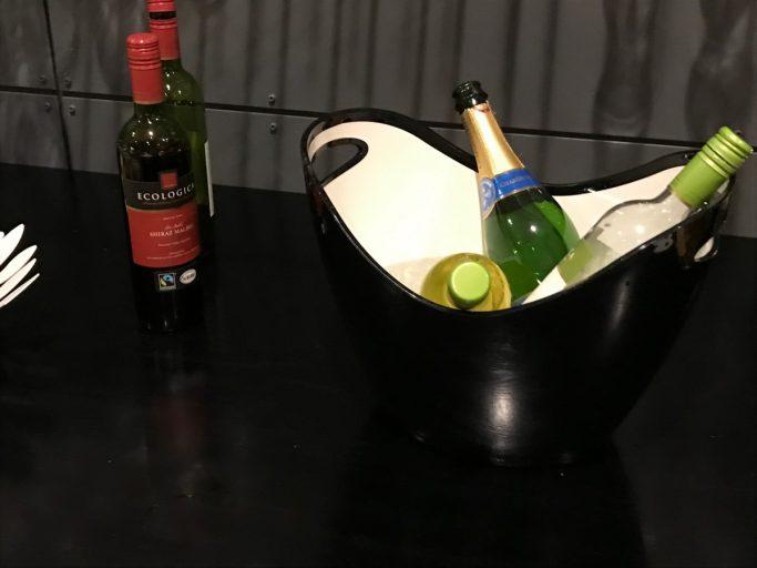 Utvalget av alkoholholdig drikke - kald Pripps i kjøleskapet