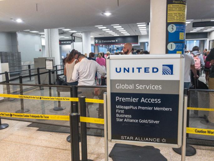Sikkerhetskontroll på Miami International Airport (Foto: Jørgen Upsaker)