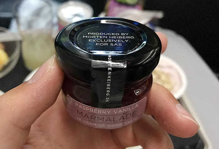 Til frokost får man også en marmelade fra danske Morten Heiberg (Foto: Jørgen Upsaker)