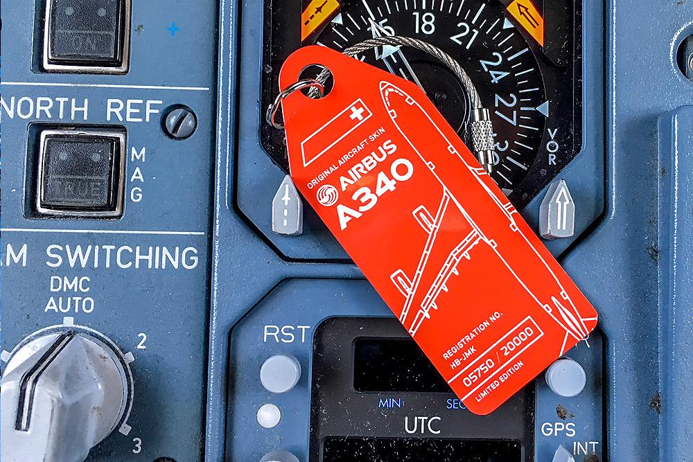 SWISS Airbus A340 bagasjemerke