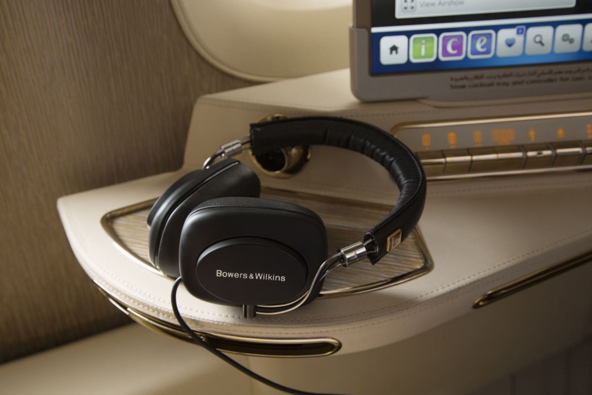 Bowers & Wilkins Active Noise Cancelling E1