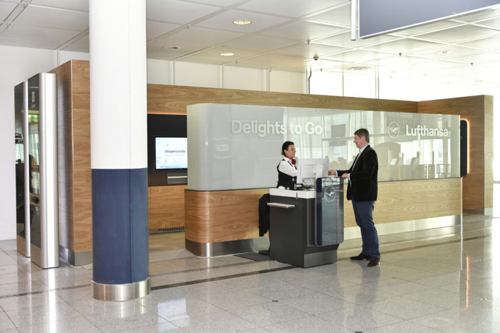 Lufthansa Delights to Go. Gate G19 på Terminal 2 i München.