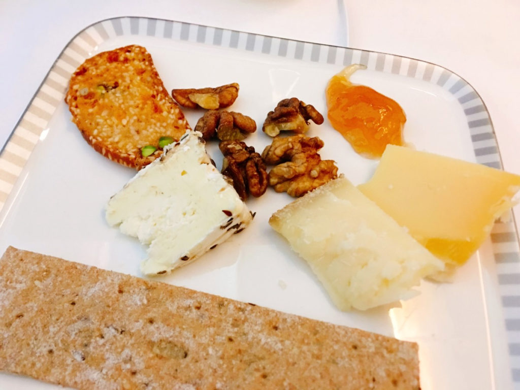 Tre oster med tilbehør