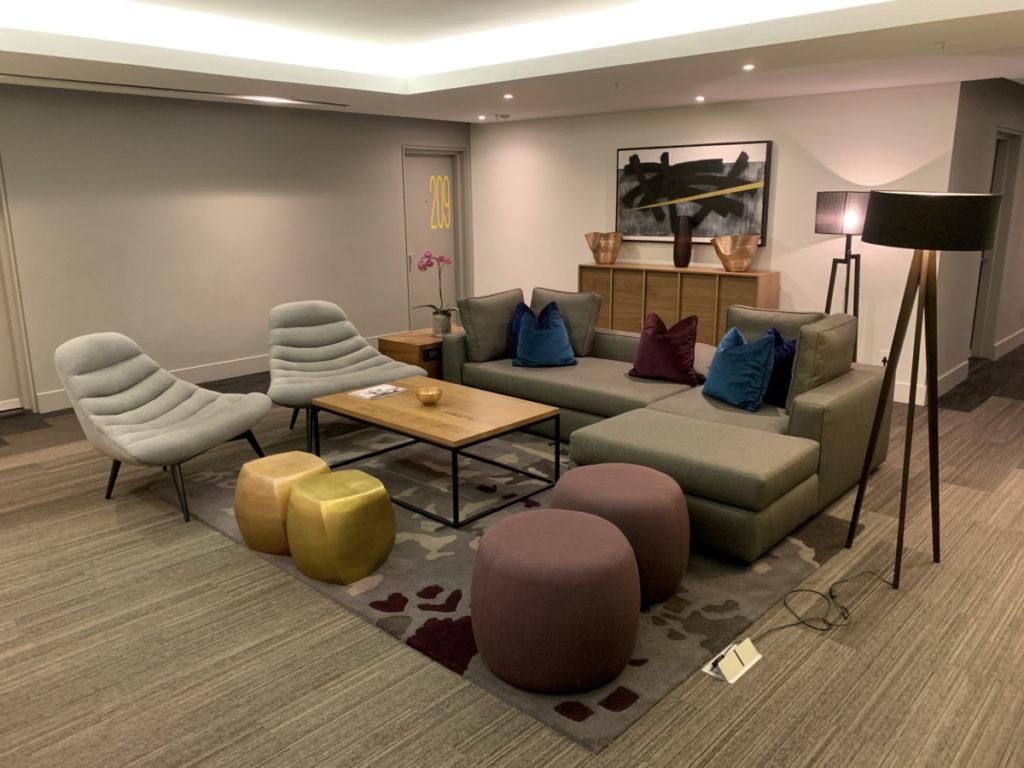 Loungeområde i gangen