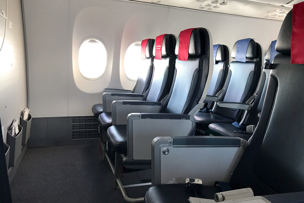 LOT Business Class Boeing 737 MAX 8