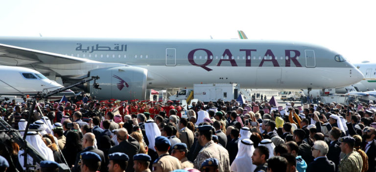 Qatar Airways Airbus A350 på Kuwait Aviation Show