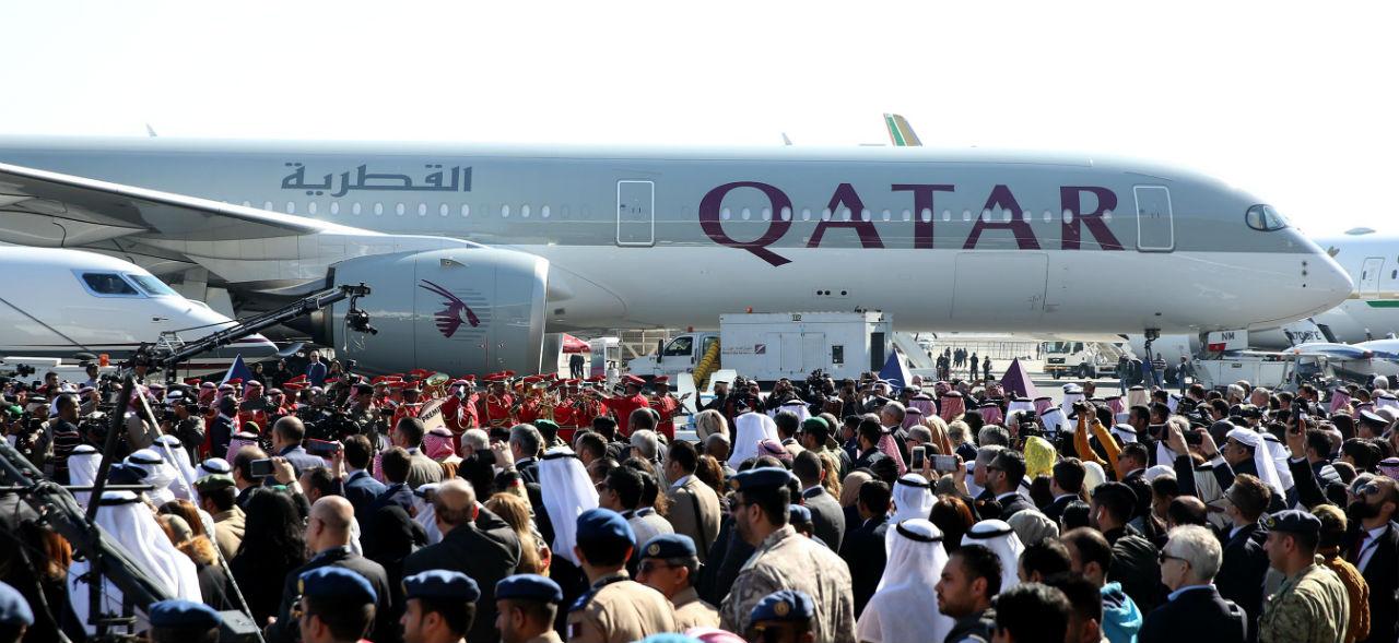 Qatar Airways Airbus A350 på Kuwait Aviation Show