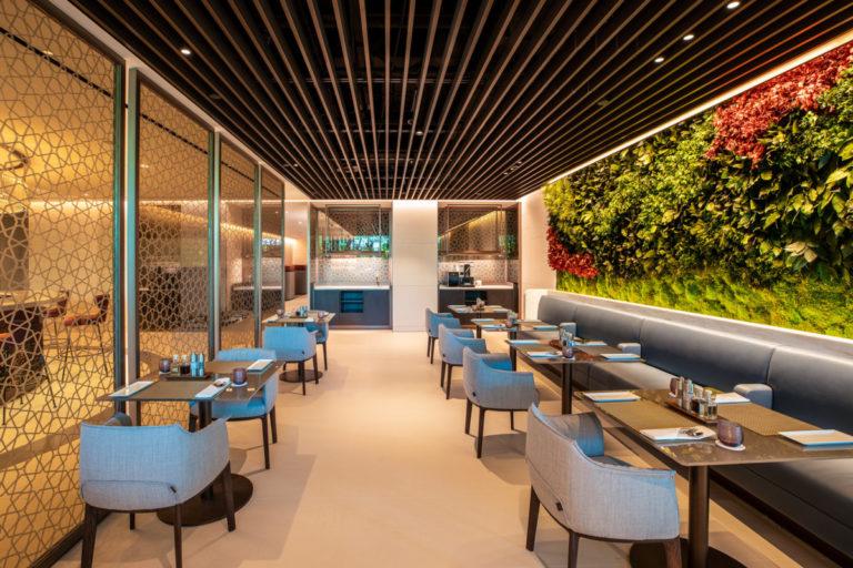 Qatar Airways Premium Lounge Singapore Changi