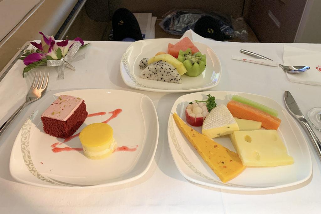 Ost, frukt og kake