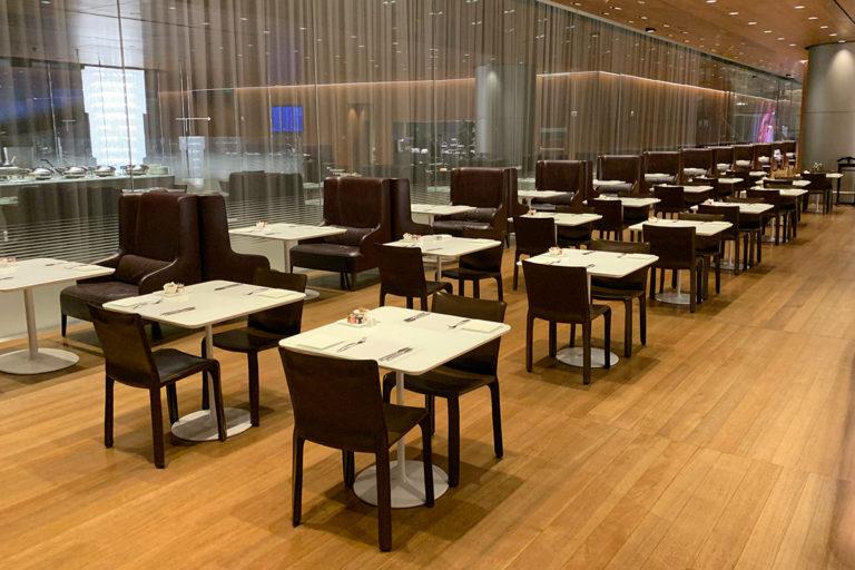 Qatar Airways Al Mourjan Business Lounge Buffetrestaurant