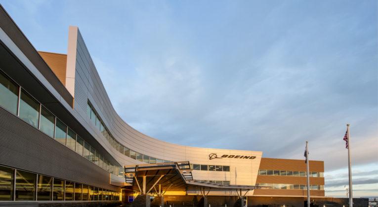 Boeing stenger fabrikkene i Seattle-området på grunn av koronaviruset COVID-19