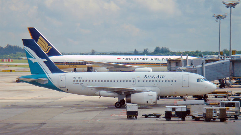 Singapore Airlines Boeing 777 og SilkAir Airbus A319
