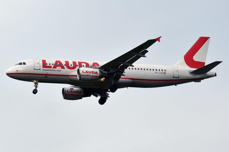 Østerrike innfører minstepris og nye avgifter på flybilletter / Laudamotion Airbus A320