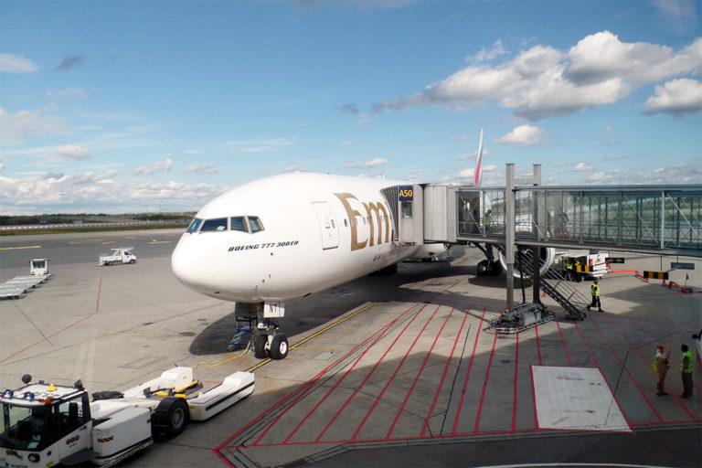 Emirates Boeing 777-300ER på Oslo Lufthavn