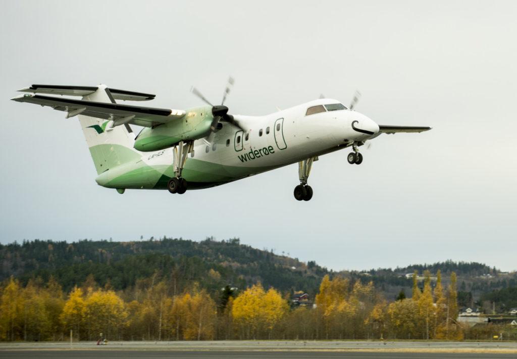 Widerøe Dash 8 på Trondheim Lufthavn Værnes