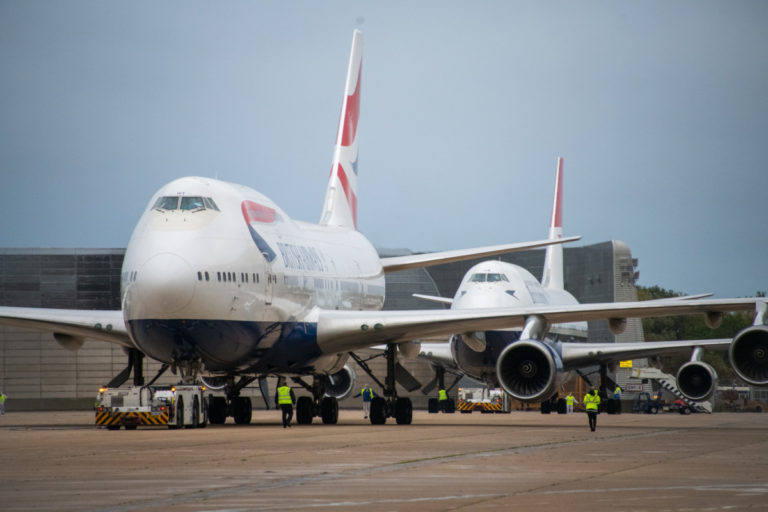 British Airways Boeing 747 tar av fra London Heathrow for aller siste gang